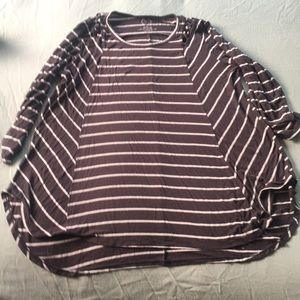 Flowy striped 3/4 sleeve top